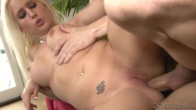 free hardcore anal blonde sammie spades