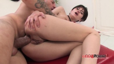 Forced anal porn with Busty Geiser gets her Asshole stretched out