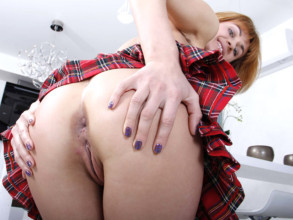 Big ass porn Candy has her tight asshole spreading wide