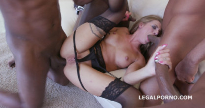 Hardcor porn 4on1 BBC Silvia Dellai. No Pussy /BALL DEEP /GAPES /DAP /SWALLOW