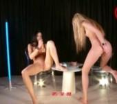 Orgasm World Championship: Barbara Y VS Lovenia. Hot teens