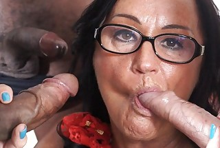 SCAMBISTI MATURI – Italian swinger in interracial DP orgy