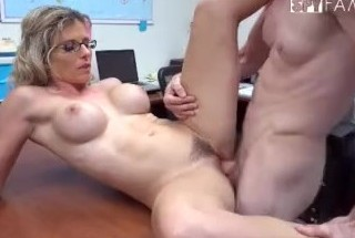 Elitist abnormal woman and single mother anal push wand mas